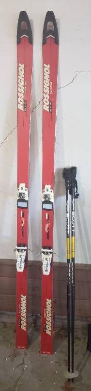 Pair of Rossignol Quantum Men s Downhill Skis w Pair of Scott Poles