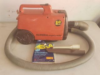 Eureka Mighty Mite Canister Vac   works