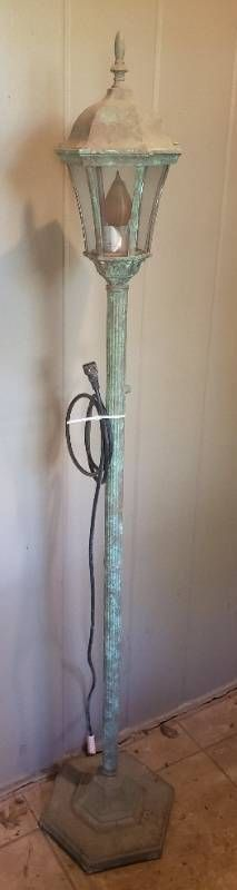 Outdoor Style Floor lamp   needs new Bulb   62 in  tall