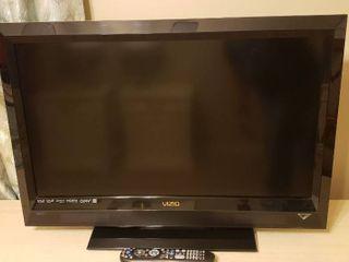 32 in  Vizio HDTV   Model  E320Vl   WORKS   Remote included