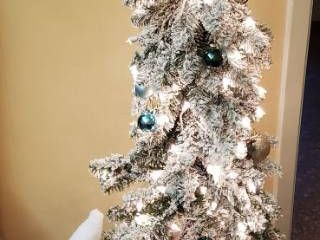 Bethlehem lights Flocked Decorated Christmas Tree   5 ft  tall and White Santa Figurine   22 in  tall   Winning Bidder will need to Disassemble Tree w Included Box