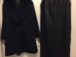 Womens Dyed Fox Collar Duster w matching belt  Size Xl from Koslows   With Storage Bag
