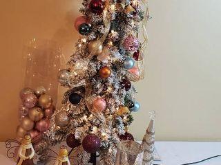 40 in  Bethlehem lights Flocked lit Decorated Christmas Tree  Ornaments   Hooks  2 Metal Angels  Candle Arrangement