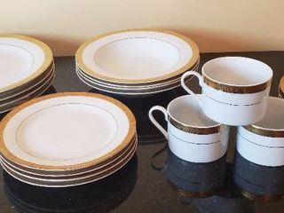 GOlD Porcelain by Sakura  Inc  24K   Set of 4   Dinner Plates  Soup Bowls  Bread Plates  Cups   Saucers