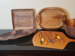 Wood Serving Dishes and Ceramic End Serving Utensils