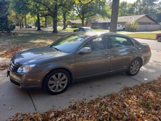 2007 Toyota Avalon Xl   Touring Trim Package   4 Door Sedan   60208 miles   runs and drives well