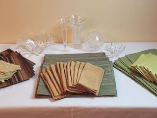 Sets of Placemats  Dinner Napkins and Clear Glass Vases Candleholders
