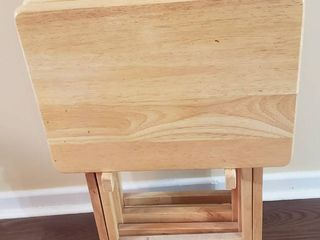 Set of 4 TV Table Trays w Stand   23 in  tall