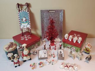 Christmas Decorations   Glitter Tray  Red Tree  Ornaments  Gift Boxes  and Figurines   includes Tote