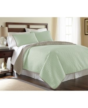 Modern Threads leaf Solid Reversible Quilted 3 Piece Coverlet Set   King