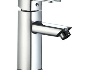 Single Handle Pull down Deck Mounted Kitchen Faucet  Retail 99 99