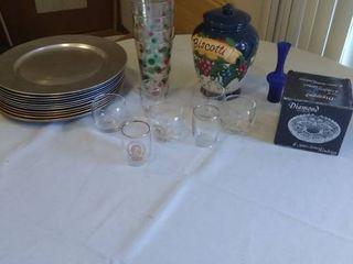 Various Kitchen Ware Items