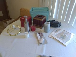 lot of Various Bedroom and Bathroom Items