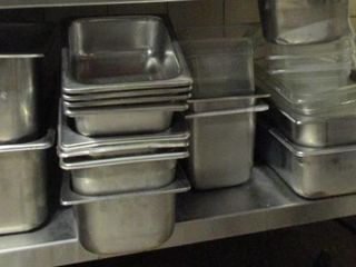 lOT  STAINlESS STEEl TRAYS