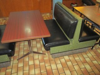 DOUBlE BENCH  SINGlE BENCH  against wall  TABlE