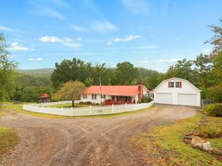 477 Central View - Farm & Equipment