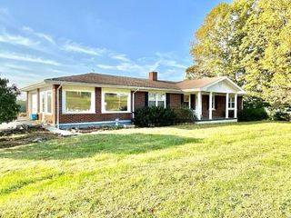 3 Bedroom Brick House on 31.73 Acres, m/l