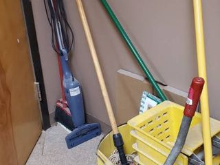 Mop Bucket  Brooms  Swifter