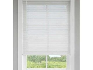 levolor Vinyl Room Darkening Mini Blind  White  35  X 72