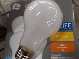 Ge Classic 40 watt Eq A19 Soft White Dimmable led light Bulb  4 pack