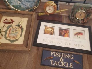 Assorted fishing related decor