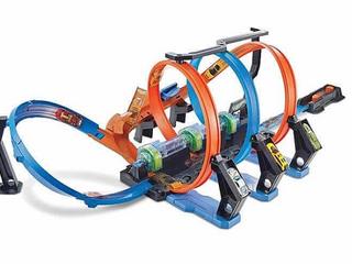Hot Wheels Corkscrew Crash