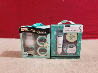 2 SETS OF lADIES BATH GIFT SETS