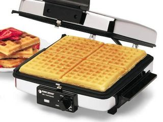 BlACK DECKER 3 in 1 Waffle Maker with Nonstick Reversible Plates  Stainless Steel  G48TD