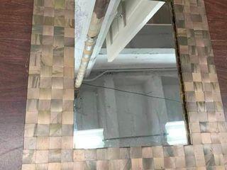 Decorative wall mirror