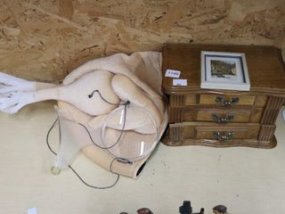 JEWElRY BOX AND TURKEY HAT