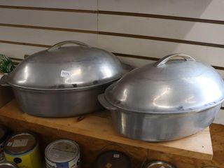 2 CAST AlUMINUM ROASTING PANS