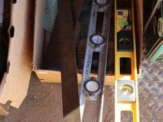 BOX OF TRAVElS  lEVElS  SQUARE AND SAW BlADES