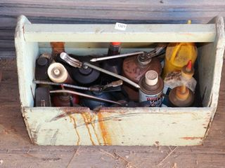 TOOl CADDY OF OIl CANS  CUTTING FlUID ETC
