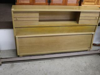 DOUBlE BOOKCASE BED
