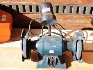 BlACK   DECKER 6  BENCH GRINDER