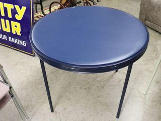 ROUND FOlDING CARD TABlE