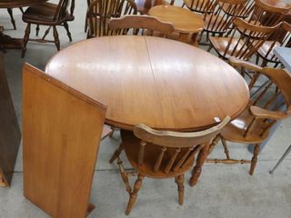 ROXTON TABlE AND lEAF WITH 4 MAPlE CHAIRS