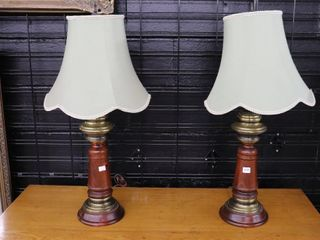 PAIR OF TABlE lAMPS 29