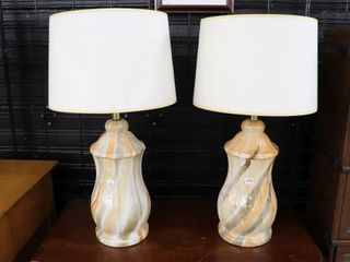 PAIR OF GlASS TABlE lAMPS 28