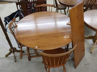 VIlAS DROP lEAF TABlE WITH 4 CHAIRS AND lEAF 50