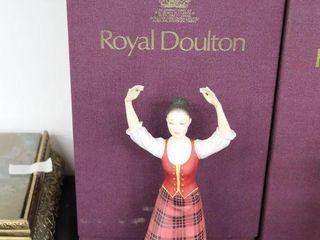 ROYAl DOUlTON DANCERS OF THE WORlD SCOTTISH