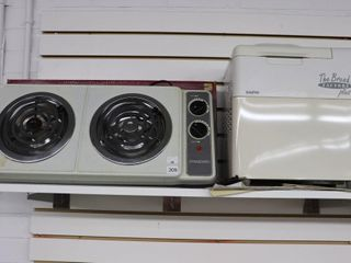 STANDARD HOT PlATE AND SANYO BREAD MAKER