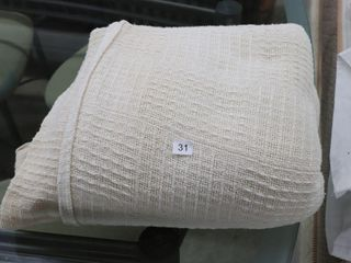 lARGE BED COVER 140  X 80
