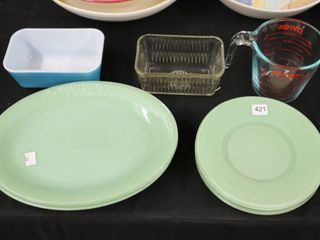 PYREX MEASURE CUP  DISH AND PlATES