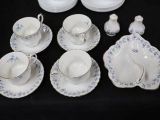 ROYAl AlBERT  MEMORY lANE  TEA SET
