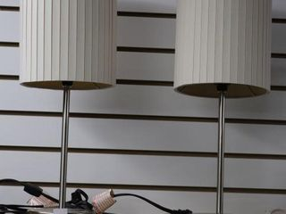 PAIR OF TABlE lAMPS  19