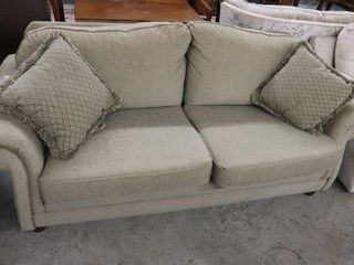 UPHOlSTERED CHESTERFIElD 82 X37