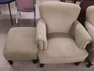 UPHOlSTERED ARM CHAIR AND FOOTSTOOl
