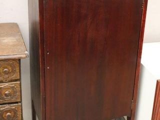 RECORD CABINET   MISSING HANDlE 20 X15 X42