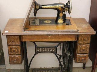 SINGER TREDlE SEWING MACHINE